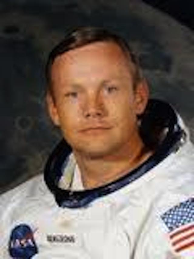 Space legend Neil Armstrong dies  CNNcom