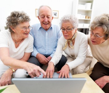elderly-people-on-computer
