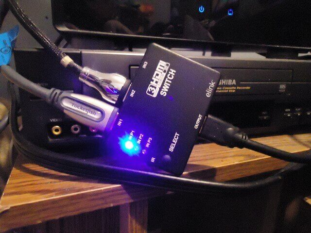3-hdmi-switch-hooked-up-to-tv