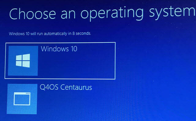 windows-boot-loader-showing-option-to-load-q4os